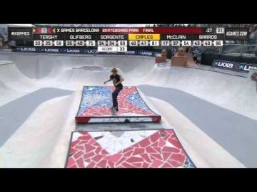 Curran Caples wins Skateboard Park silver